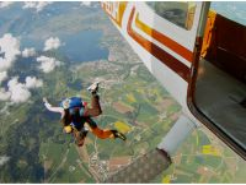 Tandem-Fallschirmsprung ab Flugplatz Gmunden