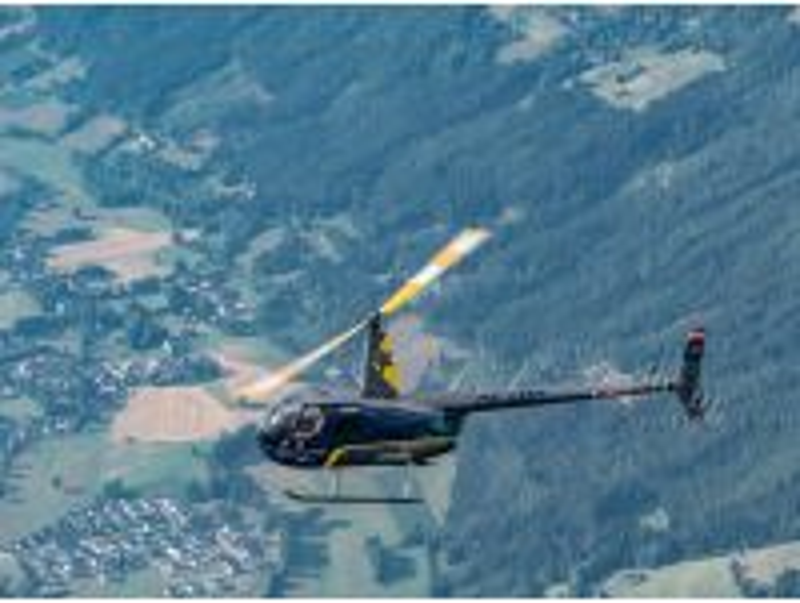 Hubschrauber Rundflug Tauernkönigin ab Flugplatz Mauterndorf